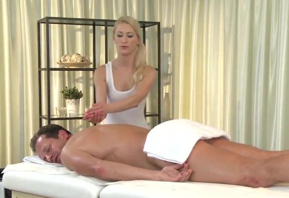 Столичная проститутка-массажистка